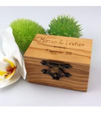 Gepersonaliseerd huwelijkscadeau, persoonlijk huwelijkscadeau | Ringendoosje graveren