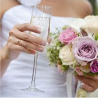 champagneglas-graveren-origineel-huwelijkscadeau-champagneglazen-graveren-personalsurprise